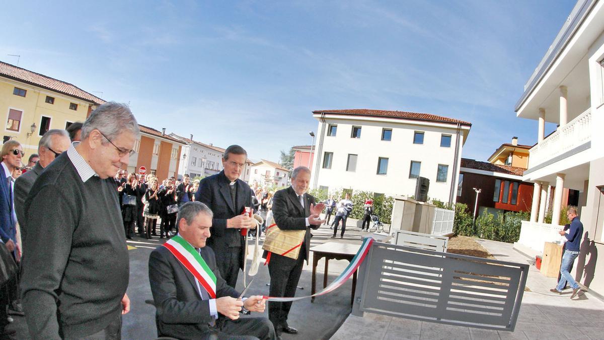 Residenze per anziani inaugurati otto alloggi zan il for Alloggi asiago