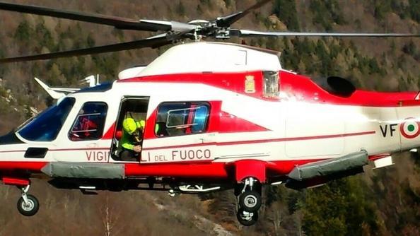 Elicottero Vigili Fuoco : Cade sul novegno recuperato con l elicottero schio il