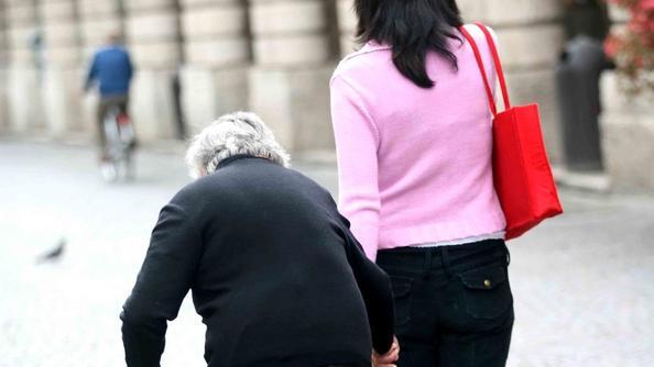 Badanti all attacco boom di denunce per il lavoro nero for Collaboratrici domestiche contratto