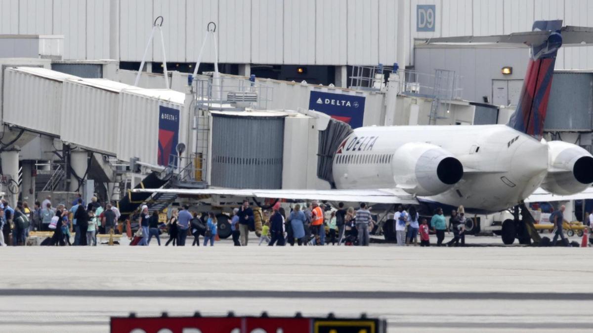 Aeroporto Vicenza : Spari in aeroporto almeno morti killer arrestato mondo