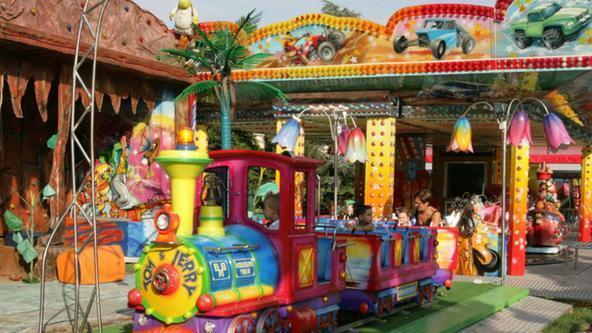 Giostre e giochi con il luna park a ponte dei nori for Giostre luna park usate