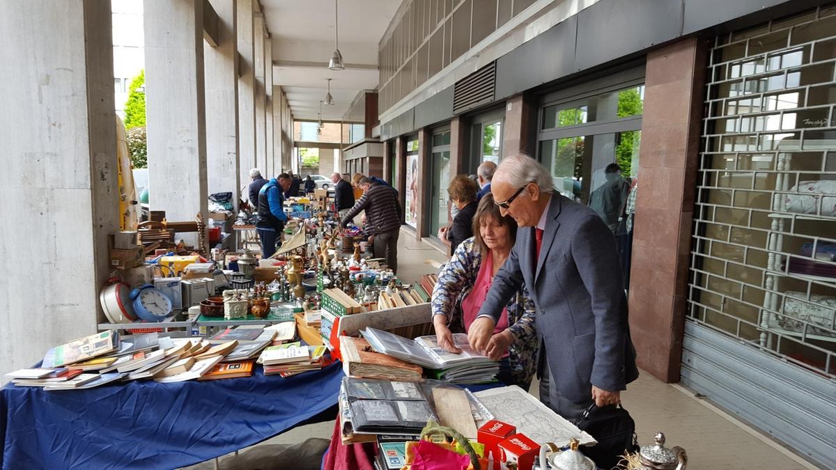 Pasquetta col mercatino del vintage schio il giornale for Mercatino antiquariato vicenza