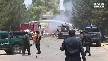 Afghanistan: autobomba in Helmand, 29 morti