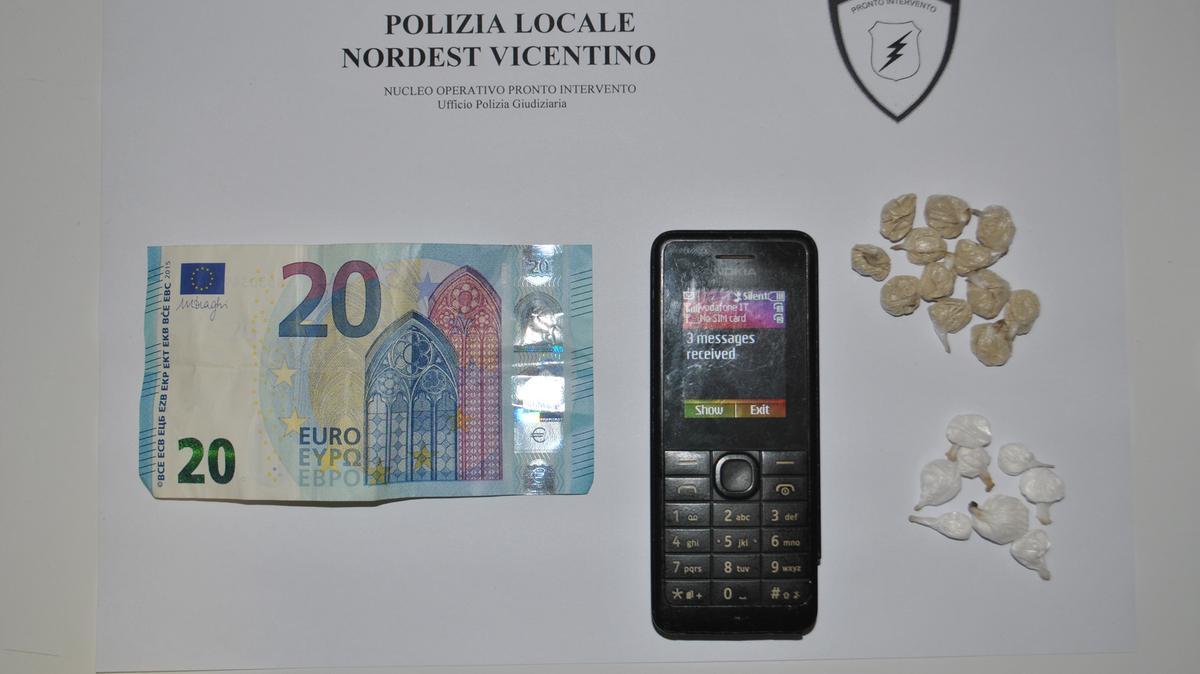La droga negli slip Profugo in trasferta preso per spaccio - Thiene ...
