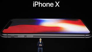 Tim Cook presenta il nuovo iPhone X