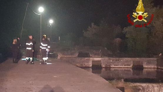 I soccorritori sul luogo dell'incidente mortale