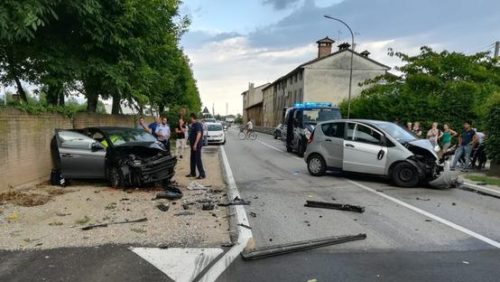 L'incidente è avvenuto in via Scovizze alle 18.10. FOTO ZILLIKEN