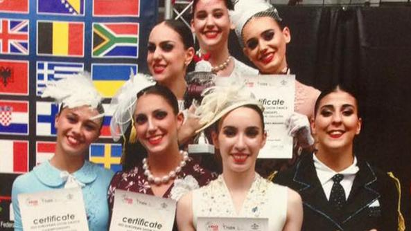 Angela Piotto, punta di diamante dell'International Dance BassanoFoto di gruppo per la squadra premiata ai campionati europei