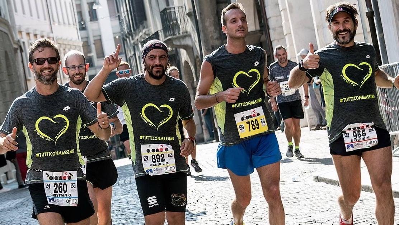"""98a940859fec3 A un anno dall infarto in maratona torna a correre con i suoi """"angeli"""""""