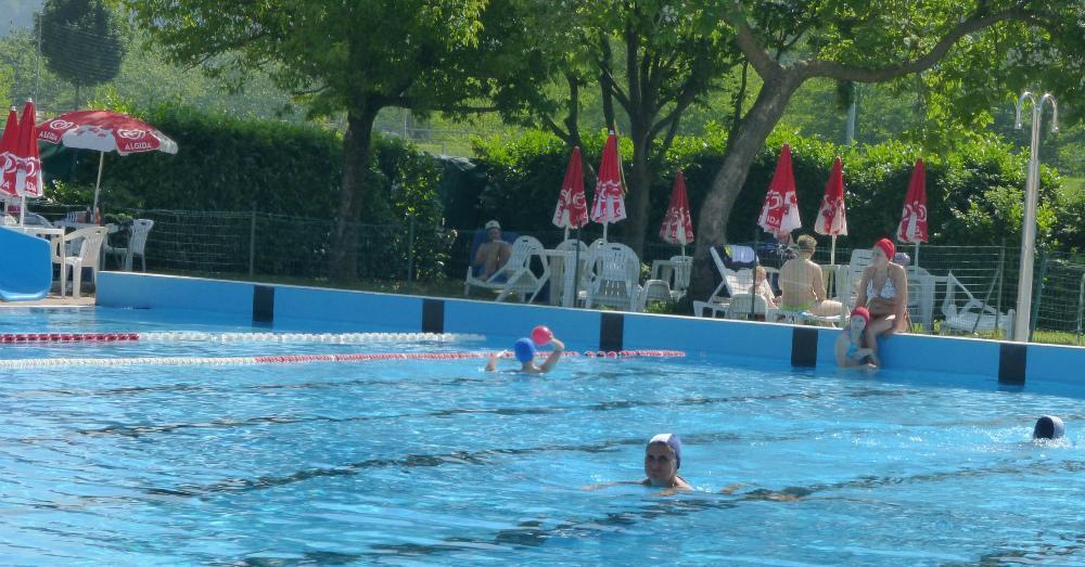 Porte aperte in piscina al via i centri estivi trissino for Piscina arzignano
