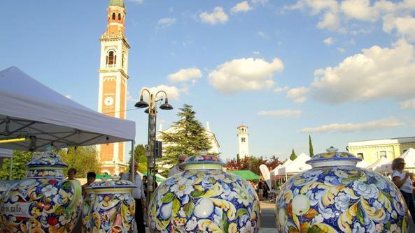 Produzione Ceramica In Italia.Guida Del Tci E Report Sulla Ceramica In Italia Nove