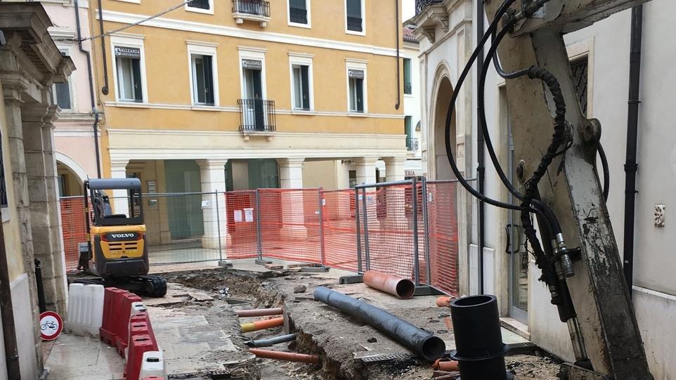 Iniziato il rifacimento di piazzetta San Marco - Il Giornale di Vicenza