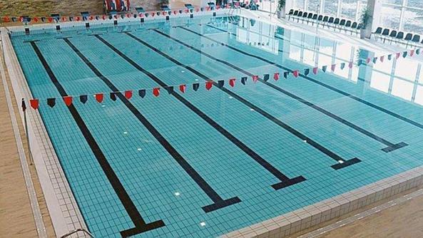 La nuova piscina fa gi il pieno arzignano il giornale - Corsie per piscine ...