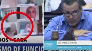Un frame del video costato la sospensione al deputato Juan Ameri