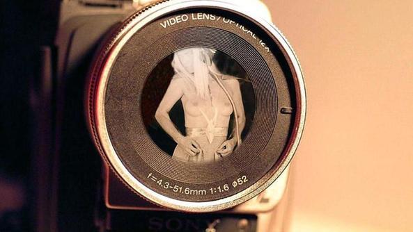 installano un videocitofono ma è una telecamera spia - home - il ... - Spiati In Camera Da Letto